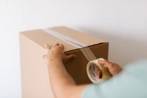 膠紙及剪刀等工具建議分開擺放。